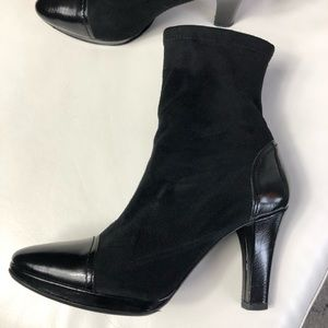 Donald J Pliner booties
